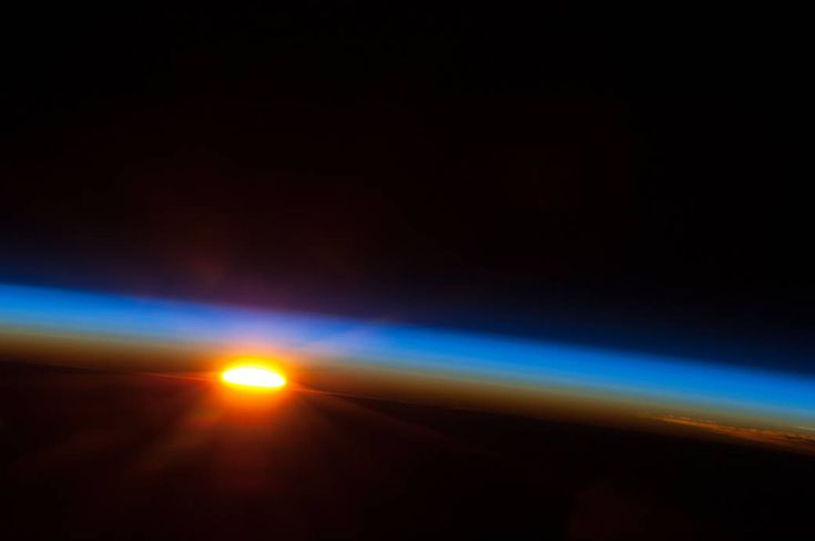 Sunrise over de South Pacific Ocean, from NASA – Liղհ Léɑհ