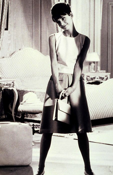 .: Celebrity Photo, Fashion Style, Fashion Icons, Style Icons, Audreyhepburn, Audrey Hepburn Bedroom, Audrey Hepburn Style, Fashion Pictures, Style File