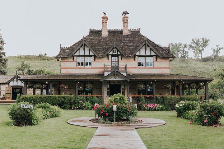 Bow Valley Ranche wedding Calgary wedding venue, outdoor wedding, heritage wedding venue, park wedding, summer wedding, garden wedding