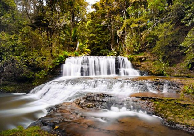Chase waterfalls this weekend. Auckland's top 5 swimming waterfalls