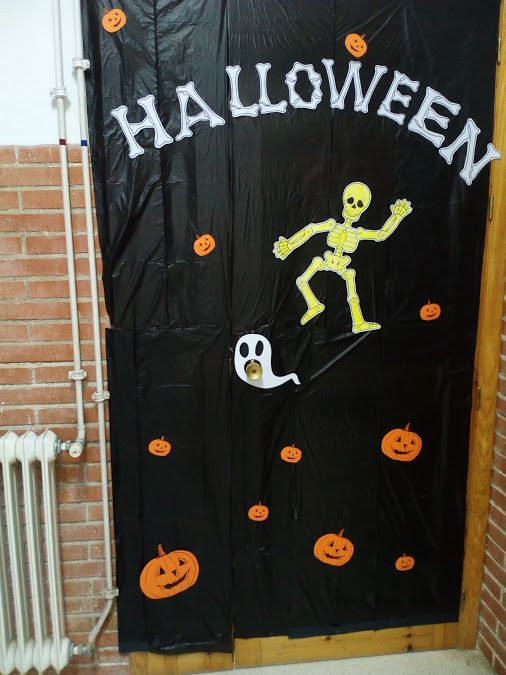 Puertas decoradas halloween esqueletos