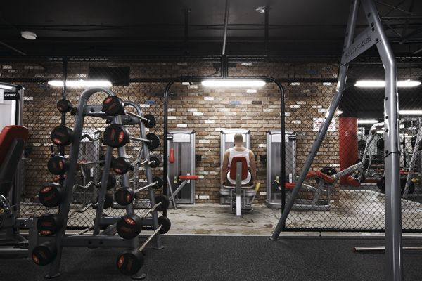 love the chain link. Maybe a good way to separate crossfit from the rest of the gym