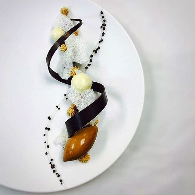 Chocolate, milk & coffee. A truly beautiful dessert with a great presentation! Dish uploaded by @orlando_jsoto #gastroart