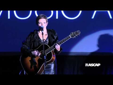 "Natalie Maines performs ""That's the Way I've Always Heard It Should Be"". Her voice is so pretty it makes me want to cry."