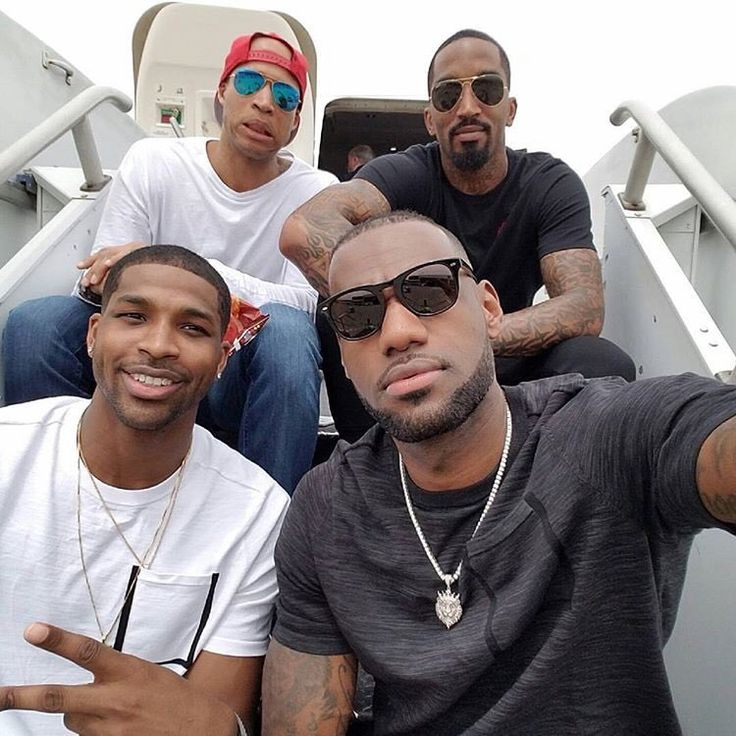 LeBron James, Tristan Thompson, JR Smith and Richard Jefferson