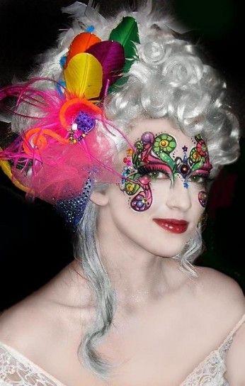 Trucco occhi effetto maschera colorato