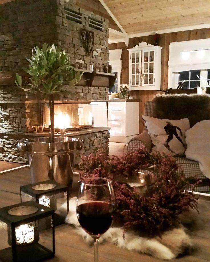 """324 Likes, 15 Comments - Gunn Helen (@gundahelen) on Instagram: """"Snart #vinterferie på oss og ⛷ koser meg med alle de flotte hyttenbildene fra dere som har…"""""""