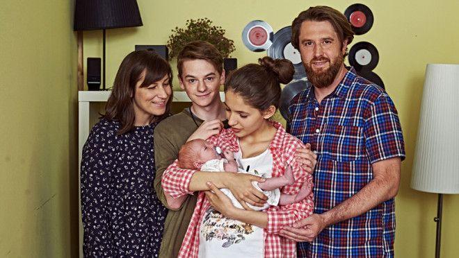 Franta se vrátil z Amsterodamu se spoustou nových fotek syna Christianka. Anča s Bedřichem z nich byli nadšení stejně jako třeba Zuzana nebo Nyklová. Co na ně říkáte vy?