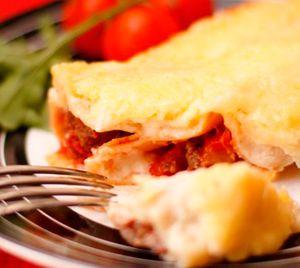 Каннеллони с фаршем Наверняка  вы уже  видели толстые трубочки макароны  на полках супермаркетов. Так вот, это итальянские Каннеллони.  Существуют  достаточно простые рецепты итальянской кухни, по приготовлению этого  вкуснейшего  блюда. Один из них это  Каннеллони с фаршем. http://culinarysite.ru/news/2013-05-25-680