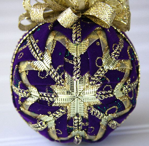 Purple And Gold Christmas Centerpiece : Best images about purple and gold christmas decorations