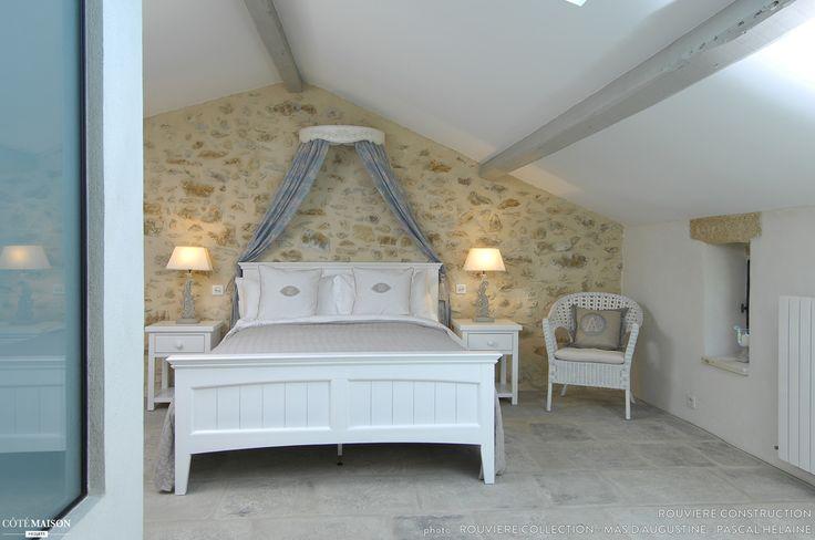 Une chambre avec poutres apparentes for the home for Chambre avec poutres apparentes