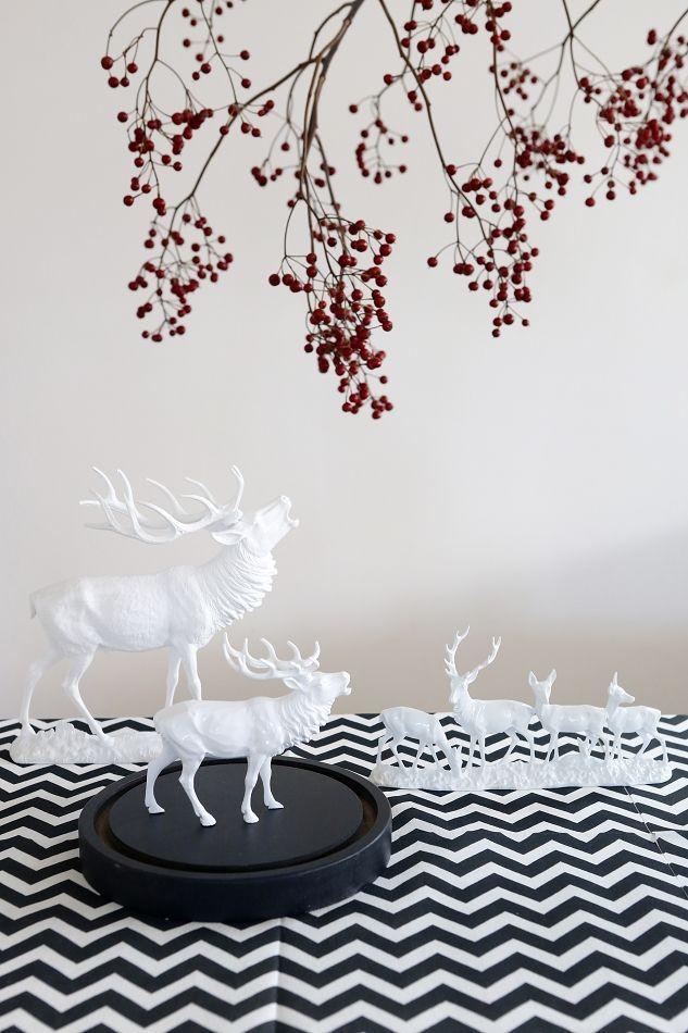 Koziol Hubert Family Decorative Deer Figure Holiday Virgin White