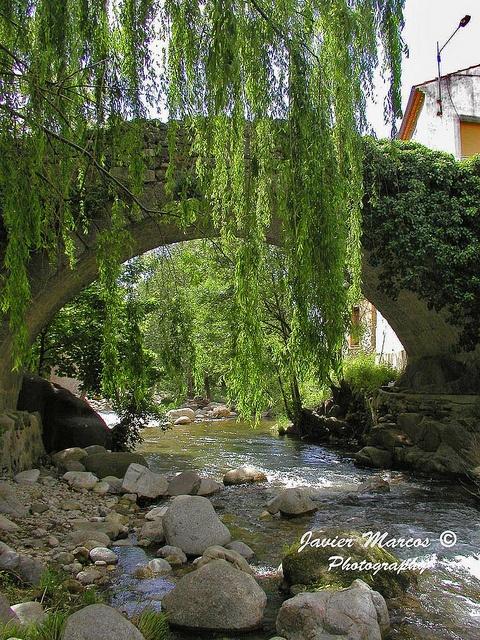 Puente sobre el rio Ambroz (Hervás, Caceres, Spain)