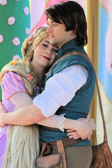 I can't tell you how much I absolutely Love Love LOVE this pic of Rapunzel and Flynn!