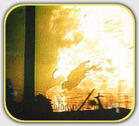 En la madrugada del 19 de noviembre de 1984 a menos de un año del terremoto de 1985 se produce una explosión en la colonia de San Juan Ixhuatepec, conocido más popularmente como San Juanico