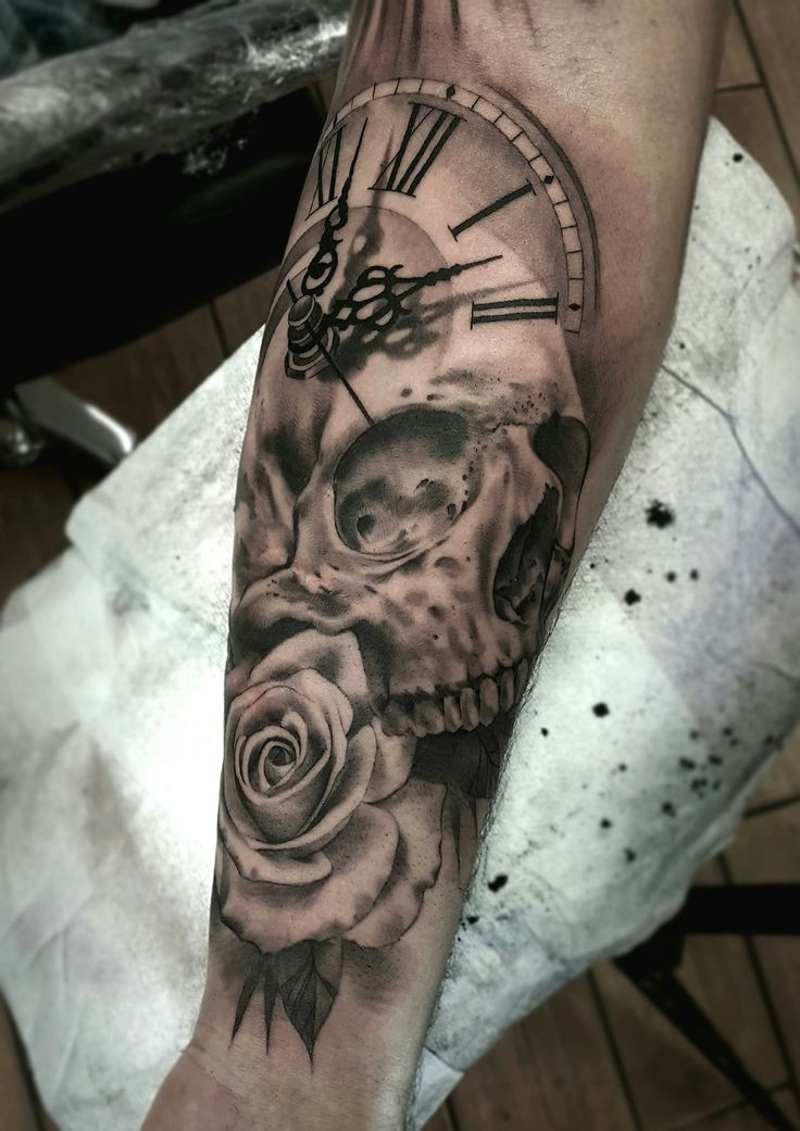 25 best ideas about clock and rose tattoo on pinterest watch tattoos pocket watch tattoos. Black Bedroom Furniture Sets. Home Design Ideas
