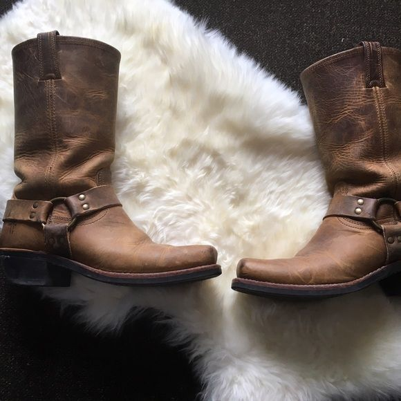 Frye harness boots gently worn Frye harness boots gently worn. Black label, size 9 1/2 M. Leather uppers are a bit stiff and gently scuffed. No major wear. No trades, no Pp. Offers welcome. Frye Shoes Heeled Boots