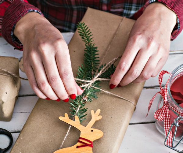 Let these 15 stores lend a helping hand with cheap and free gift wrapping services. From Nordstrom to Amazon, your gifts will be all set and ready to ship!