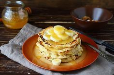 Banana pancakes = 1egg, 1 banana, coconut oil: - mix banana & egg together - option to add cinnamon or coconut flakes - cook on preheated pan on both side until golden brown