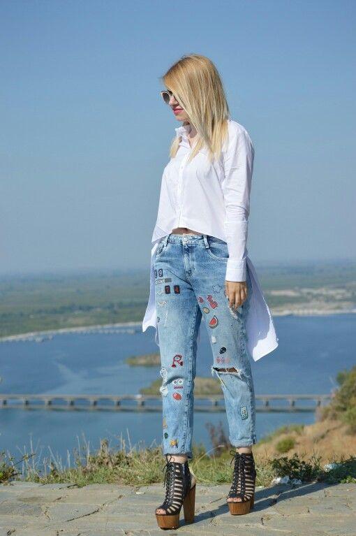 #fashionbloggers #zara #vasilikicomgr #vasiliki #patchwork #jean #shirt #white