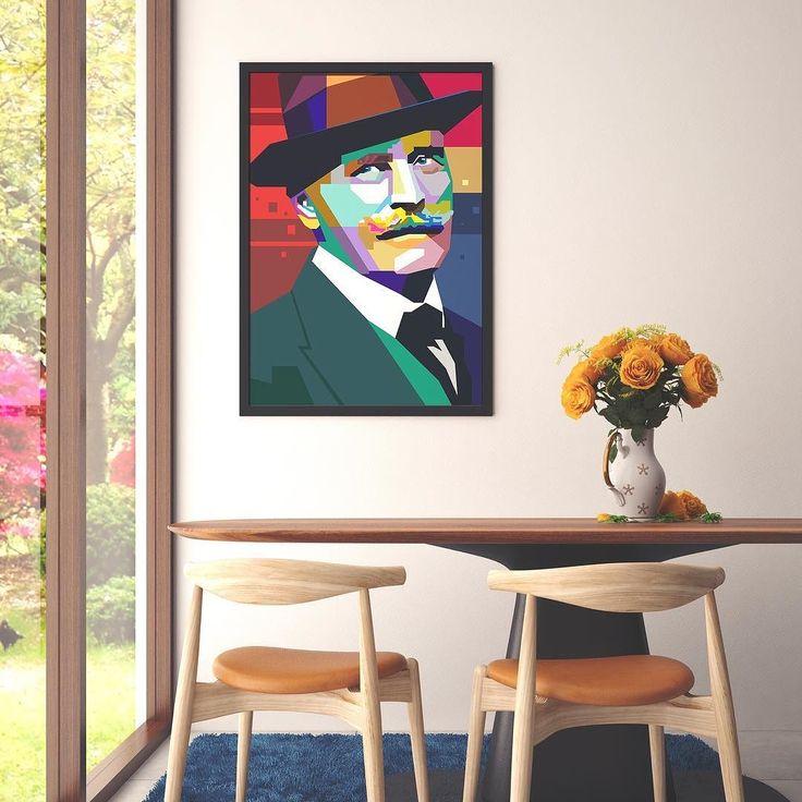 Knut Hamsun var en nyskapende og banebrytende moderne forfatter. Hans litteratur er blant annet kjent for elegante humoristiske og urovekkende skildringer av det ubevisste og irrasjonelle i mennesket. Flere av Hamsuns bøker er i dag klassikere i verdenslitteraturen. I 1920 ble Knut Hamsun tildelt Nobelprisen i litteratur for romanen Markens grøde.