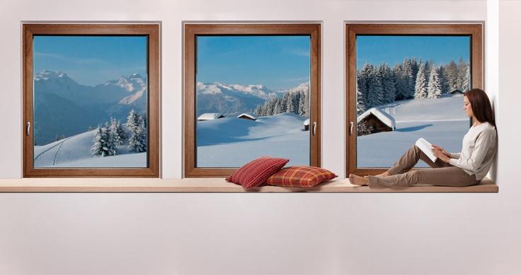 Inverno ... ma solamente all'esterno. Finestra in legno-alluminio