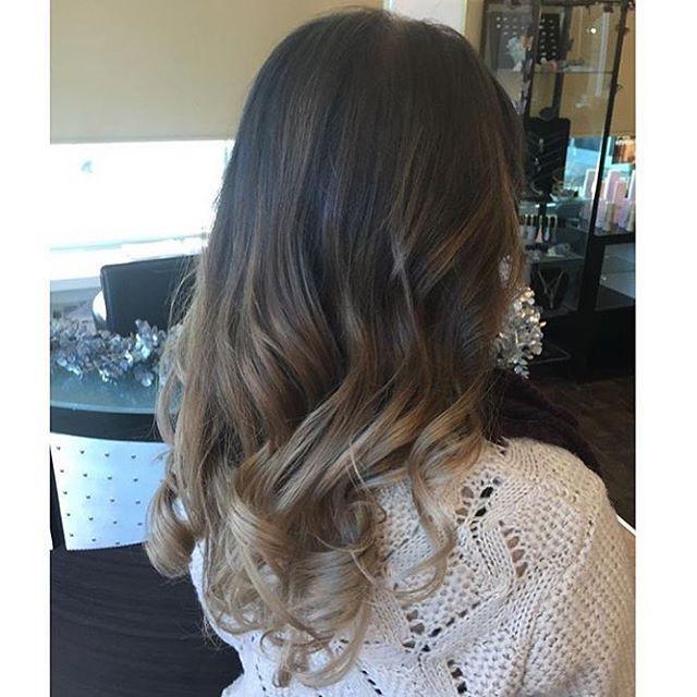 Beautiful colour for New Years  #kelownastylist #kelowna #kelownanow #newyears #holidays #balayage #party #hair #rich #beautiful Hair @hair.by.amandajess