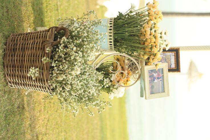Vintage wedding flower,basket flower,Aster Salmon ,Peacock flower. www.nouadecor.com
