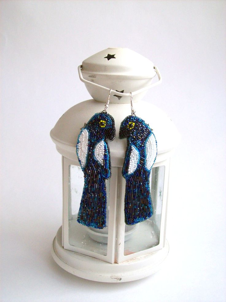 "Елена Коломоец. Серьги ""Сороки"". Вышивка бисером. Неlen Kolomoets Earrings ""Magpies"". Bead embroidery"