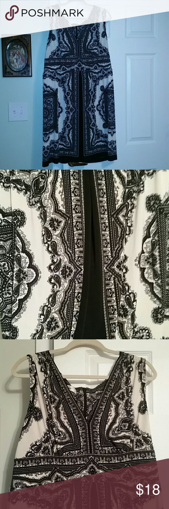 Dressbarn dress Excellent condition black and cream zips up back hides problem areas Dress Barn Dresses