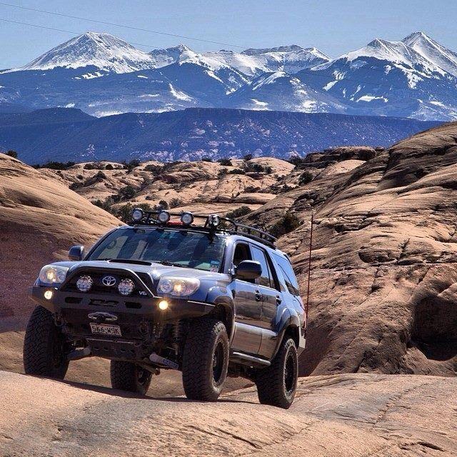 Toyota 4Runner - mountains
