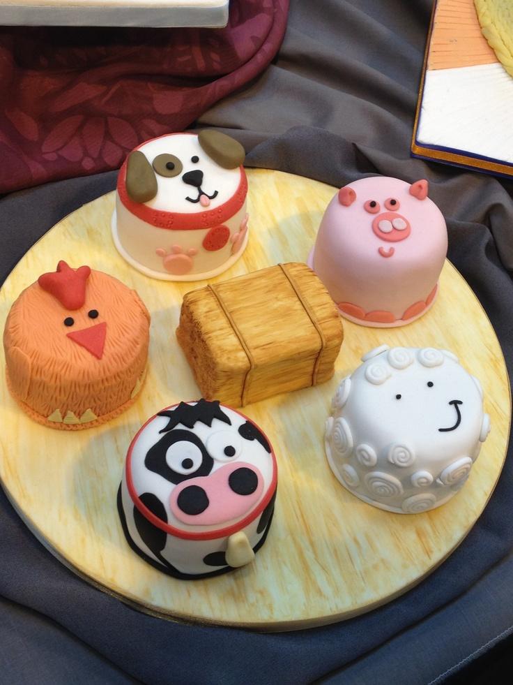 Farm yard in mini cakes