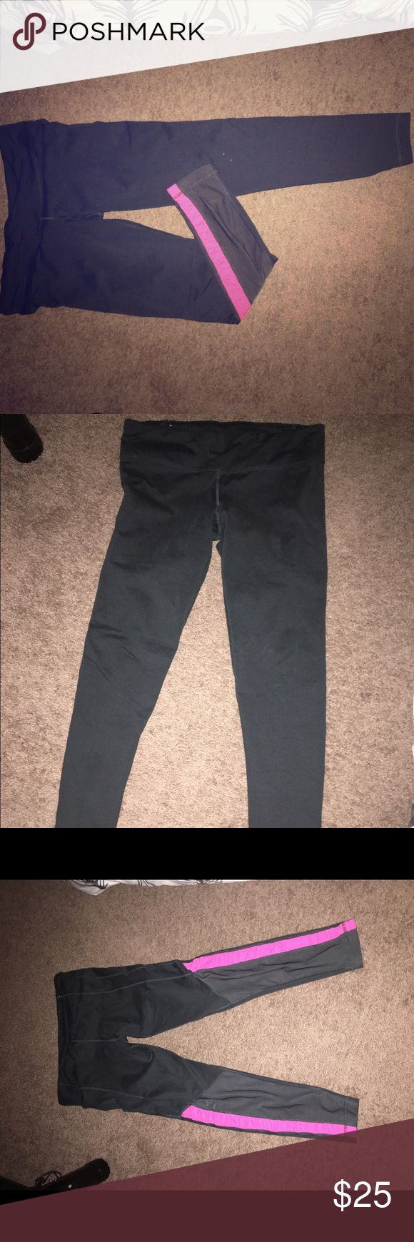 under armour mesh vented workout legging These are super comfy dark grey and pink with mesh panels on the back by the calves. Great for all activities Under Armour Pants Leggings
