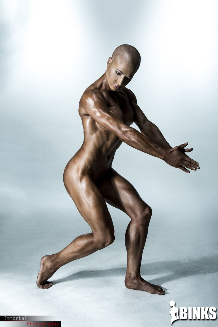 Muscle Women Nude And Her Men