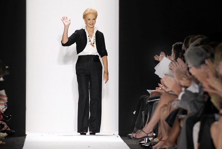 Carolina Herrera has an extremely successful career in fashion and is synonym of elegance. Fan of the classic style, a white button down shirt is her favorite piece.
