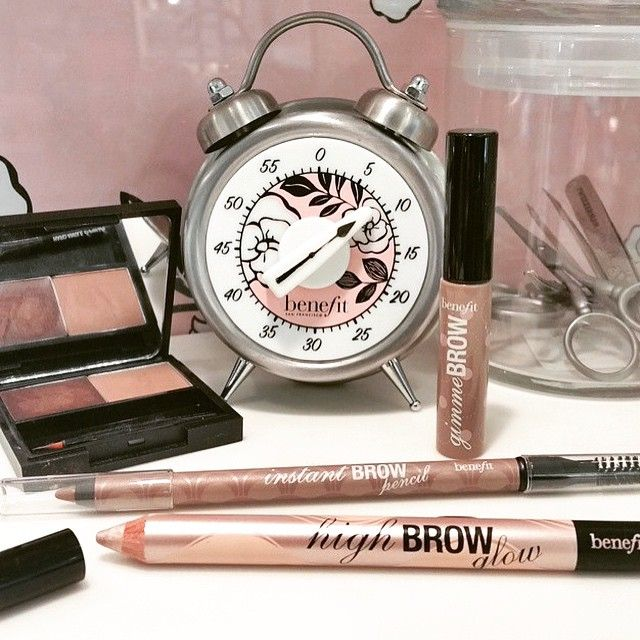 Time to WOW those brows! Get prepped and brow ready for your New Year's Eve celebrations at your local benefit brow bar! #benefitbeauty