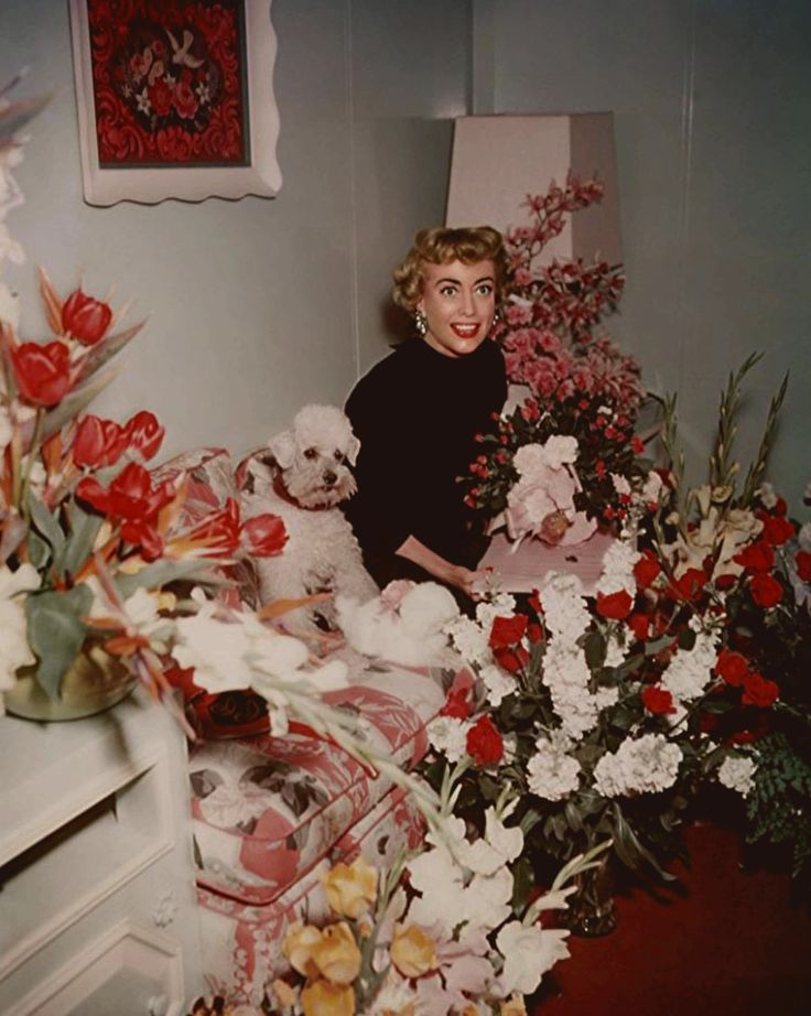 Joan got LOTS of flowers at her return to MGM, to make Torch Song in 1953!