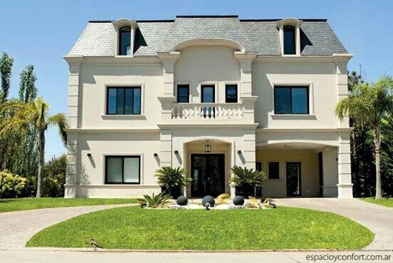 Casa esta casa del estudio adler muchnik fusiona un - Casas estilo frances ...