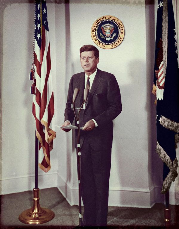john f kennedys rice stadium moon Fifty years ago today (sept 12), president john f kennedy whipped up support for nasa's fledgling apollo program in a speech that contains perhaps the most famous words he ever uttered about space exploration kennedy's stirring, soaring moon speech, delivered at rice university.
