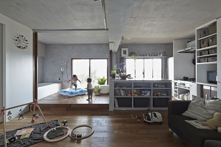 Takeshi Shikauchi Architect Office/鹿内健建築事務所 の オリジナルな 家 遊べるバスルーム