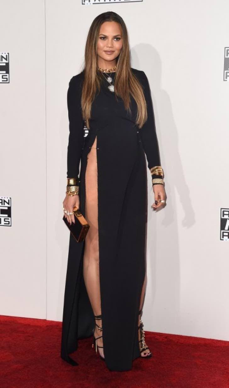 Famosa modelo pidió perdón por usar este vestido que no dejó absolutamente nada para la imaginación