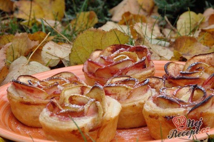 Fenomenální růžičky z jablek a listového těsta