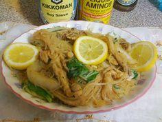 Vegetarian Filipino Food - Pancit Bihon Replacing meat with tasty ingredients! http://www.vegetarianyums.com http://www.veggieyums.com