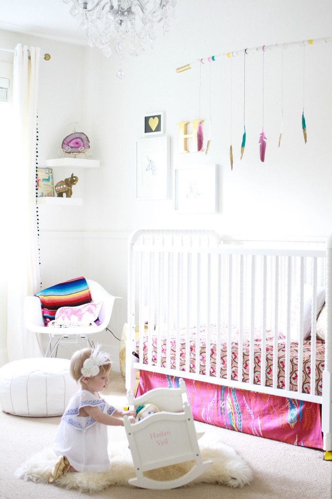 Whimsical White Nursery with Pops of Color - love this DIY'd feather mobile!: Paintings Feathers, Bright Bohemian, Bohemian Nurseries, Nursery Decor, Infancia Bohemia, Feathers Hanging, Bohemian Bedrooms, Feathers Mobiles, Kids Rooms