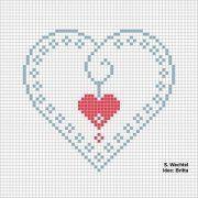 He encontrado por internet varios patrones en punto de cruz para hacer corazones, me encantan!!!