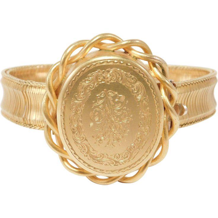 Rare 1800'S 14K Engraved Locket Bracelet Rare Original Box
