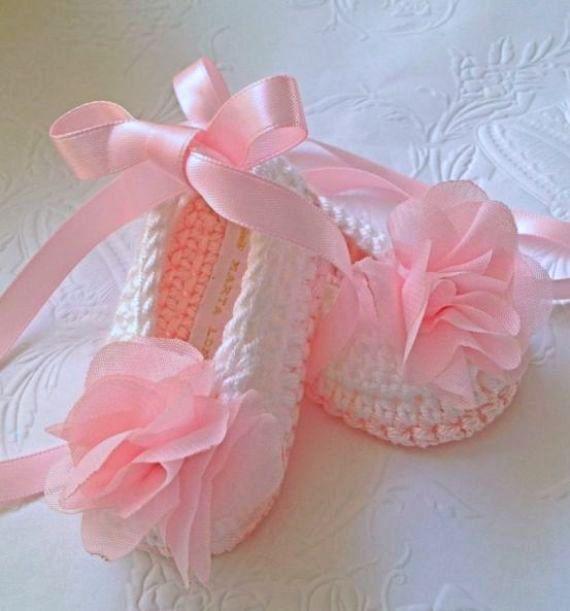 Crochet Baby Booties Ballerina Booties by TippyToesBabyDesigns