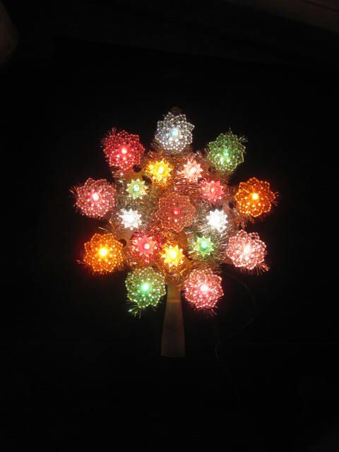 Lighted  Christmas Tree Topper by usefullthings on Etsy https://www.etsy.com/listing/493273007/lighted-christmas-tree-topper