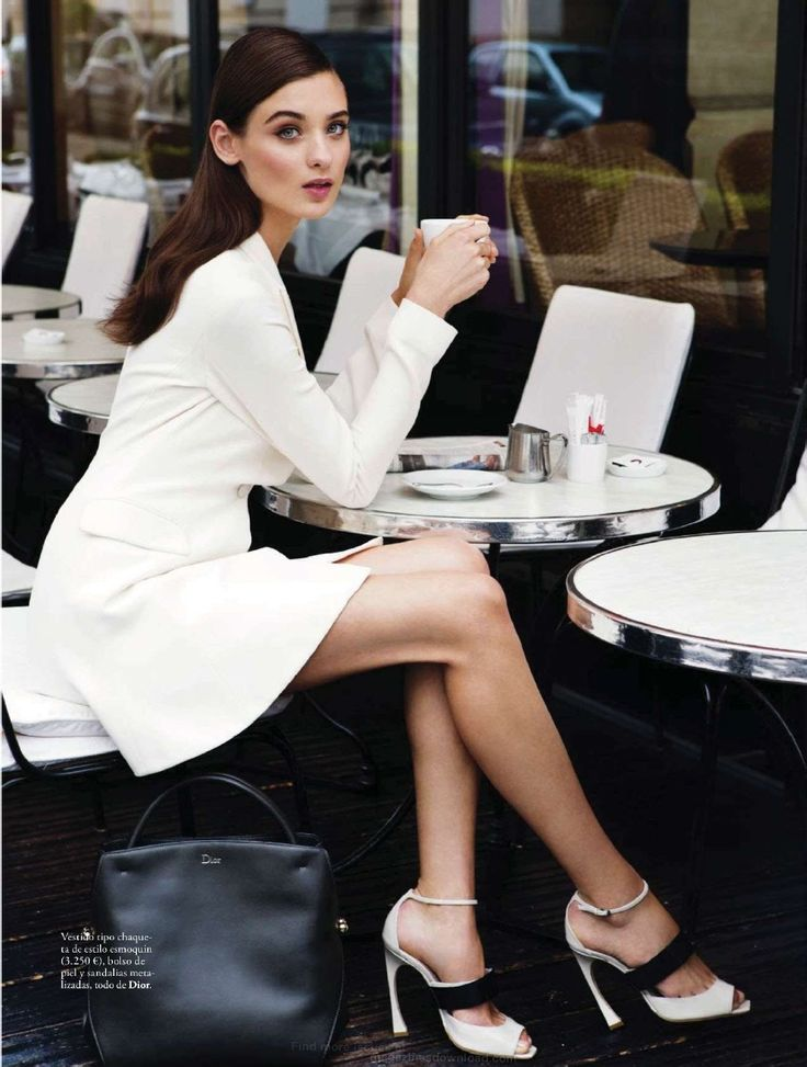 Parisian Chic! With perfect classic makeup with modern texture to match x