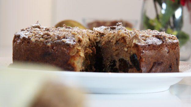 Pear and prune crumble cake